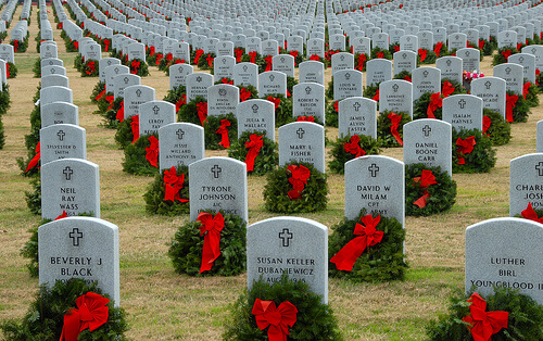 Wreaths Across America graves